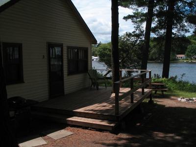 deck_cottage_3.jpg